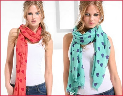 How-to-Tie-a-Cashmere-Scarf-04