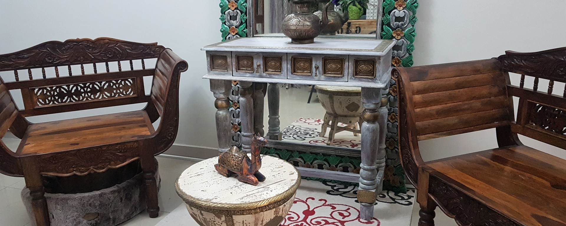 New wood furniture show room in Sharjah!! – New Old Girl